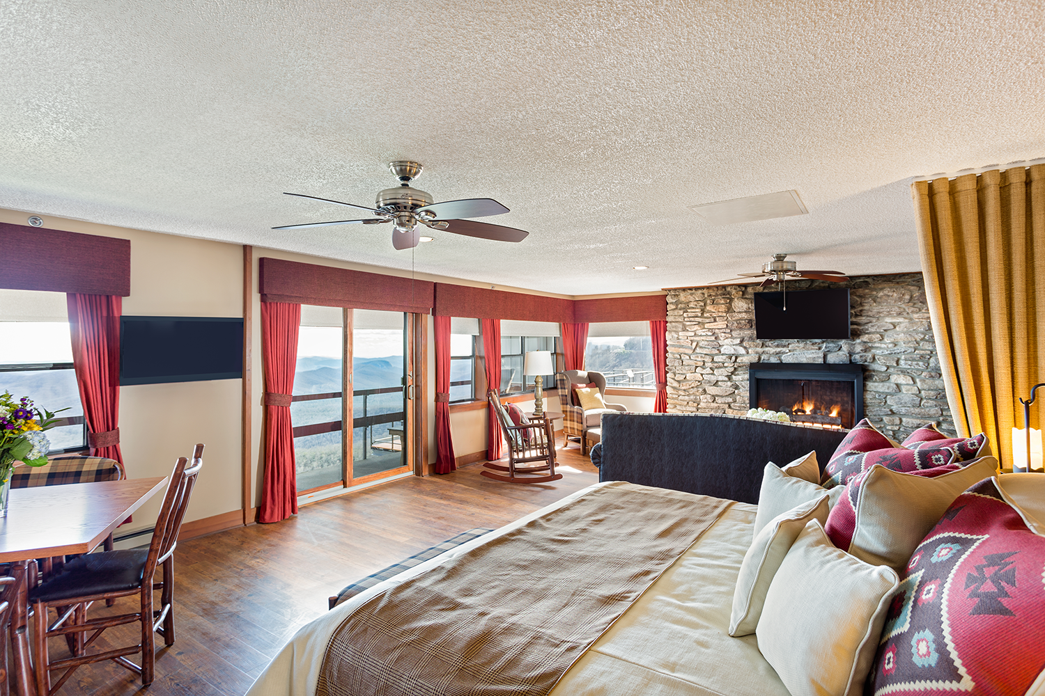 Havertys Bedrooms Complimentary Breakfast Included Picture Of 28 Images
